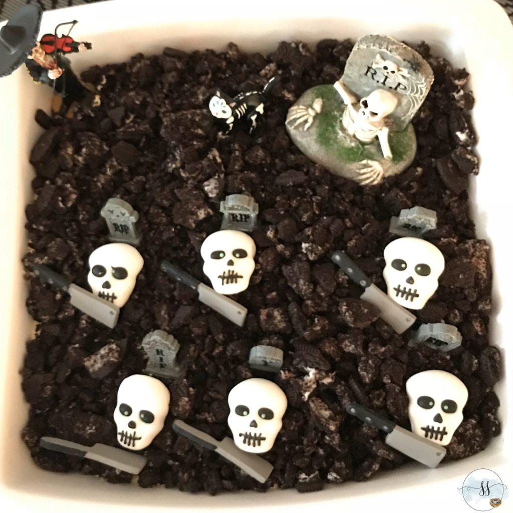 Halloween food ideas dirt dessert