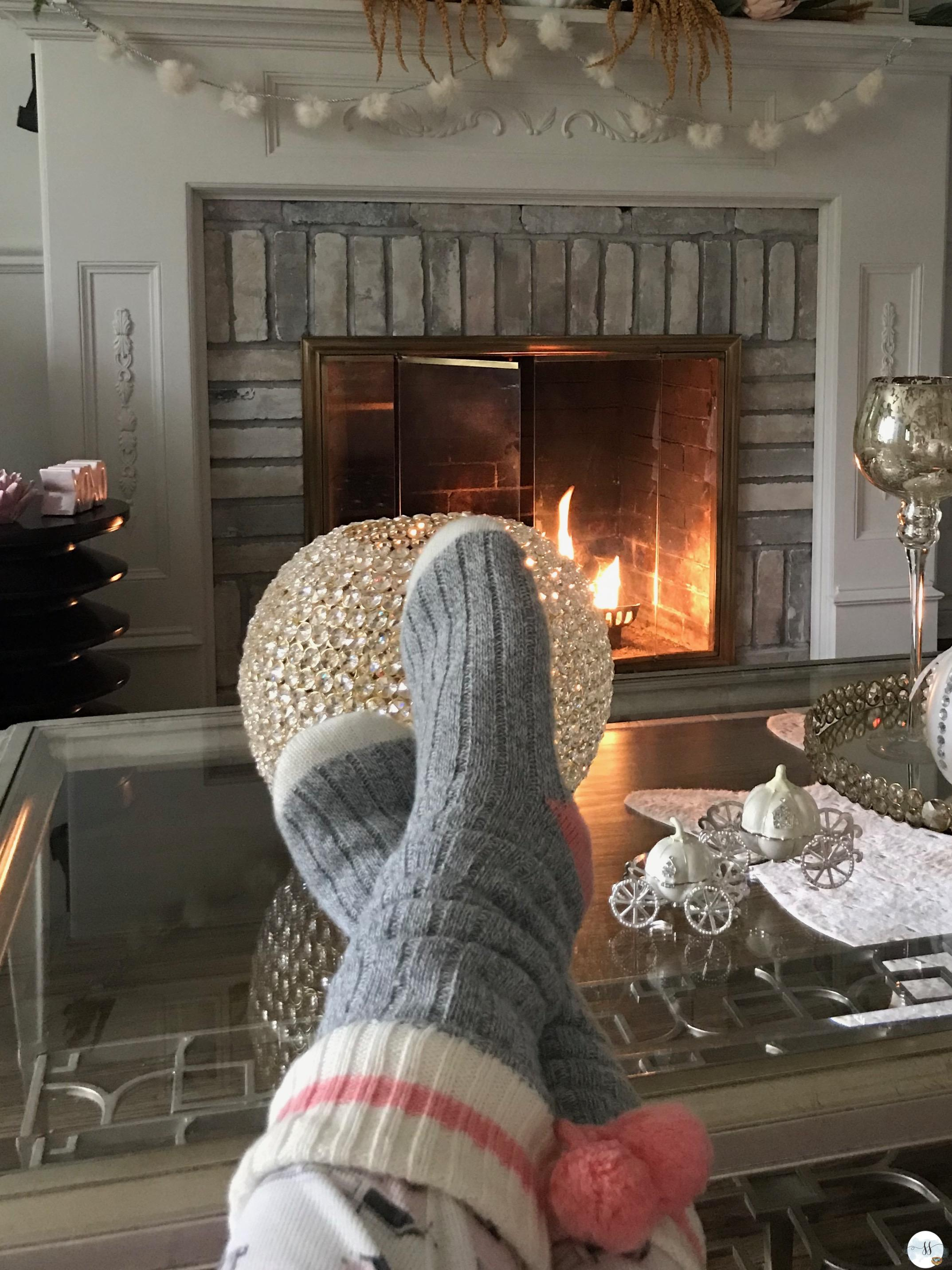 fall decor, fall family room, fall fireplace, fall mantel. fall cosy, better homes and gardens.